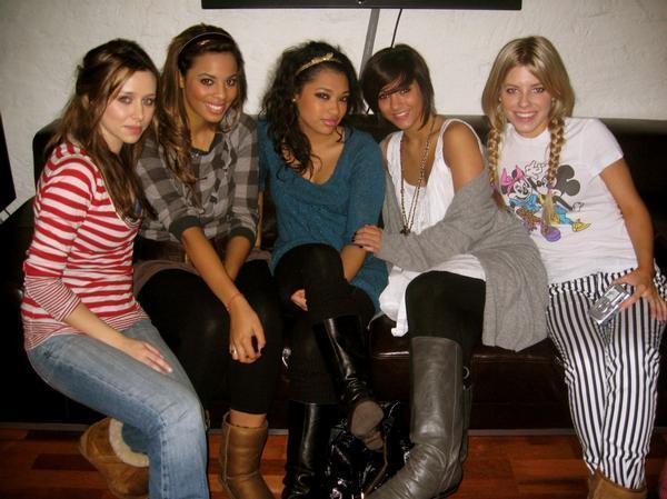 Remember (Singles, Tours) The-Saturdays-on-the-Tangled-Up-tour-with-Girls-Aloud-the-saturdays-1800839-600-449