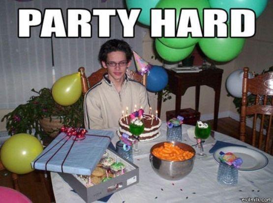 ESTA NOCHE SE LIAAAAAAAAAAAAAA VAMOS A QUEMAR BARCELONAAAAAAAAAAA Party-hard