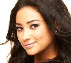 The Shape Of My Heart - Página 2 SHAY-MITCHELL-TAURUS