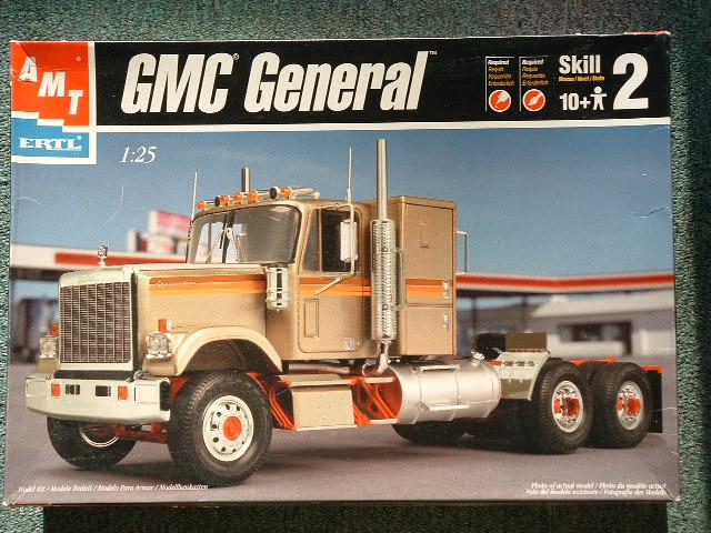 Wolf truck sur base de Diamond Reo AMT au 1/25 DSCF0007-vi