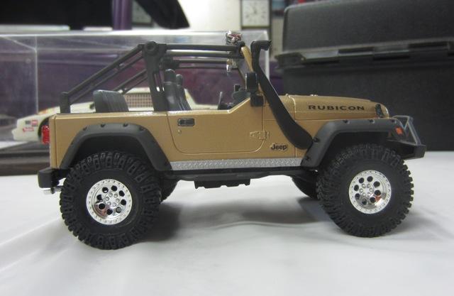 Une modèle à Denis!!! Jeep Rubicon entre 2003 et 2006 de Revell. 011-vi
