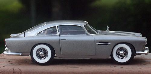 Aston Martin DB4 IMG_8034-vi
