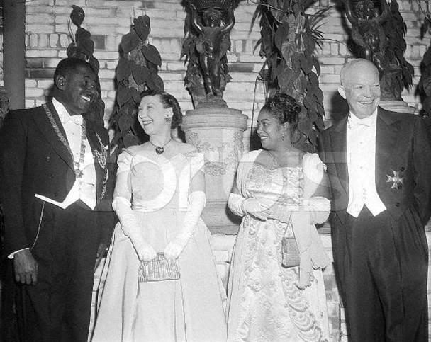 Paul Magloire un président qui avait de l'envergure, un leader de fort calibre SenhowereetlepresidentMagloire-vi
