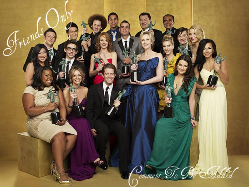 Play>> Glee Vs. The (Glee) World - Página 4 Glee-cast-glee-10513644-800-600