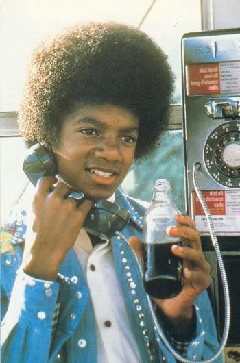 Immagini Michael Jackson che mangia e beve. - Pagina 13 Michael-3-michael-jackson-10562497-350-530