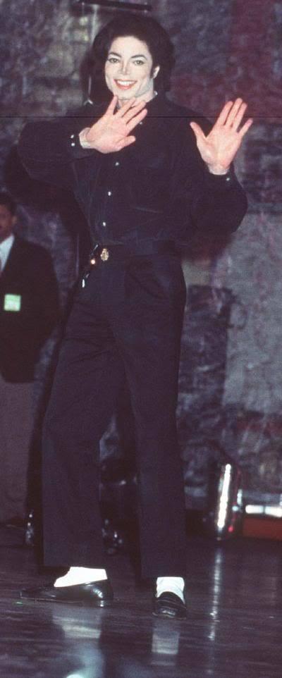 Raridades: Somente fotos RARAS de Michael Jackson. - Página 4 MICHAEL-YOU-ARE-BEAUTIFUL-I-LOVE-YOU-MORE-THAN-LIFE-3333-michael-jackson-10691285-400-962