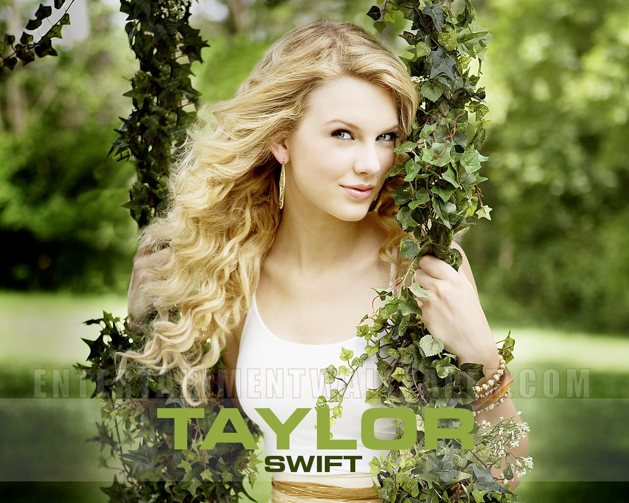 Taylor Swift Wallpapers-ts-taylor-swift-10687137-1280-1024