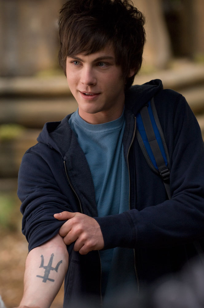 Kiss my boyfriend in the pouring rain Logan-Lerman-Percy-Jackson-percy-jackson-and-the-olympians-11318907-664-1000