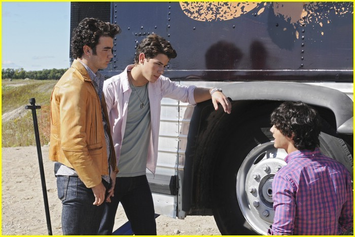 ````Camp Rock``` - Page 4 New-Camp-Rock-2-stills-camp-rock-2-13454018-700-467
