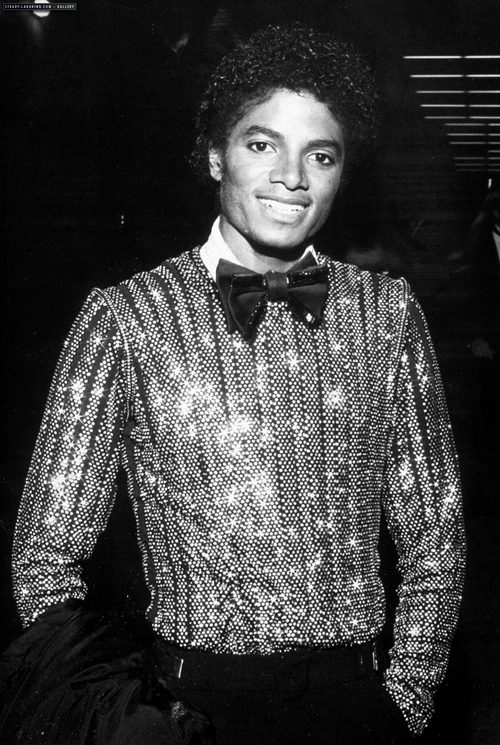"Immagini era ""OFF THE WALL"" - Pagina 40 Off-the-wall-era-michael-jackson-14210662-500-745"