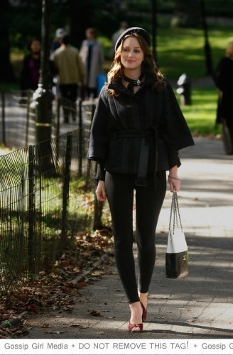 Outfits terza stagione 3x10-Promotional-Photos-blair-waldorf-8912023-328-500