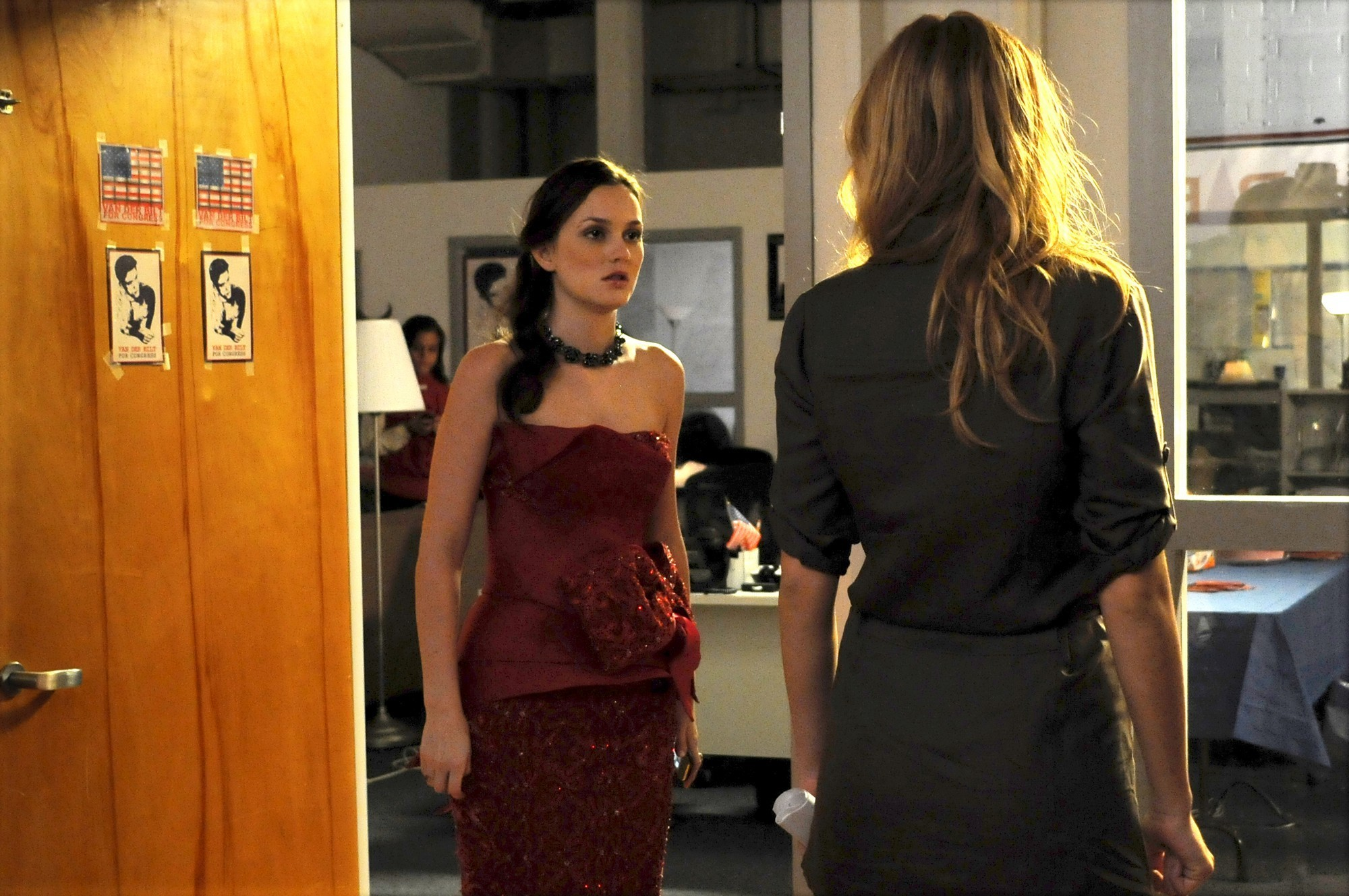 Outfits terza stagione 3-09-They-Shoot-Humphreys-Don-t-They-promo-stills-HQ-blair-waldorf-9073478-2000-1329