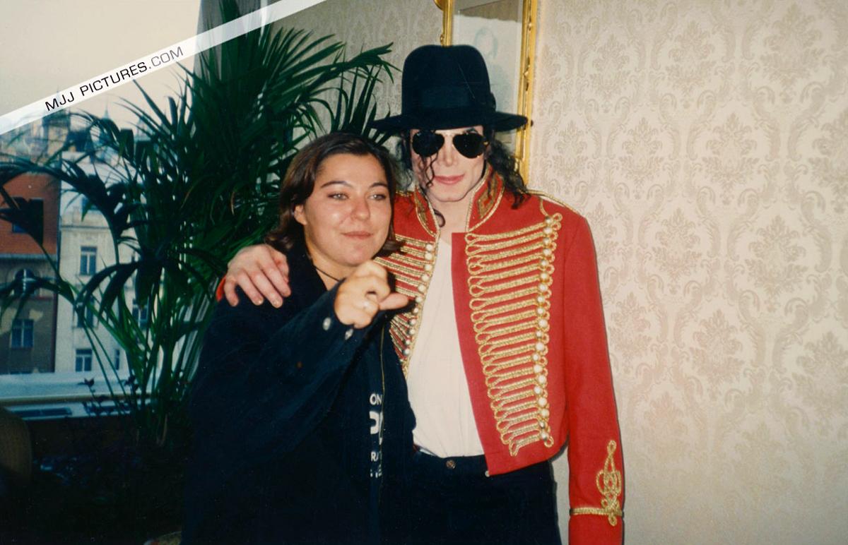 Testimonianze di chi ha incontrato Michael Jackson - Pagina 40 Michael-Prague-michael-jackson-9030623-1200-772