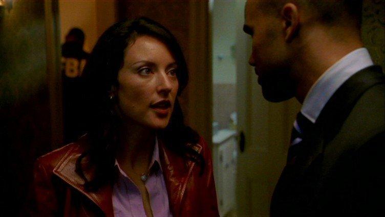 Az első évad képekben - Page 2 1x01-Extreme-Aggressor-criminal-minds-girls-9278448-752-424