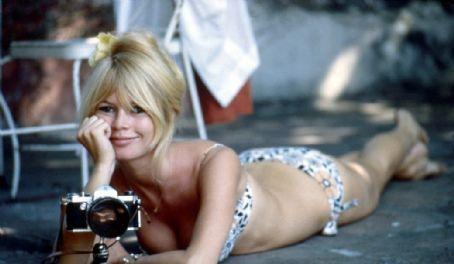 Actrices en bikini Brigitte-Bardot-brigitte-bardot-9582012-454-264