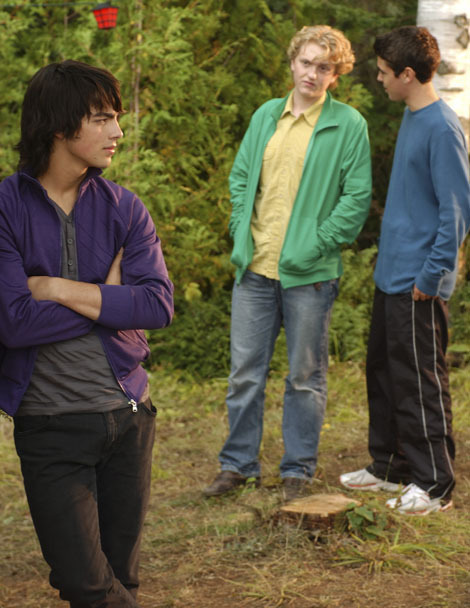 ````Camp Rock``` - Page 6 Camp-Rock-camp-rock-3100847-470-608