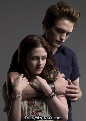 Kristen stewart 2010 Tedward-bella-hold-twilight-movie-3217546-284-400
