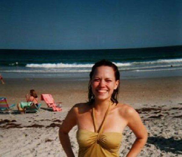 Slike Bethany-Haley - Page 2 Nice-pics-Joy-bethany-joy-lenz-3442708-604-520