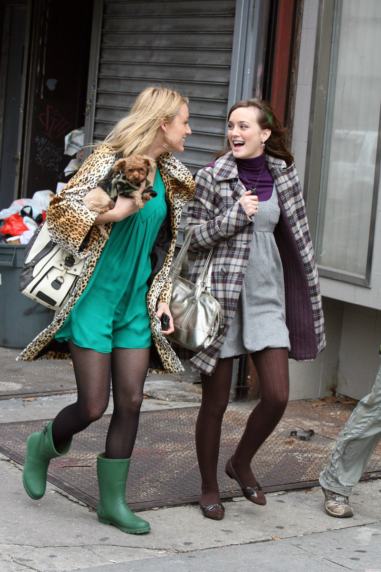 Blake Lively and Leighton Meester - Page 4 GG-serena-and-blair-4637893-1333-2000