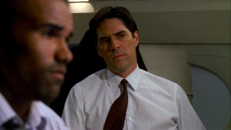 Az első évad képekben - Page 2 Criminal-Minds-1x02-Compulsion-ssa-aaron-hotchner-5380583-752-424