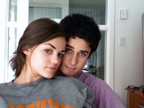 Pretty Little Liars. - Page 4 David-Lucy-david-henrie-and-lucy-kate-hale-6951188-500-375