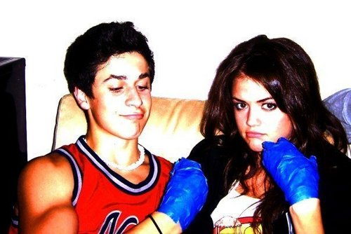 Pretty Little Liars. - Page 5 David-Lucy-david-henrie-and-lucy-kate-hale-6951192-500-334