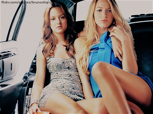 Blake Lively and Leighton Meester - Page 2 Blake-Lively-and-Leighton-Meester-blake-lively-and-leighton-meester-7184629-500-373