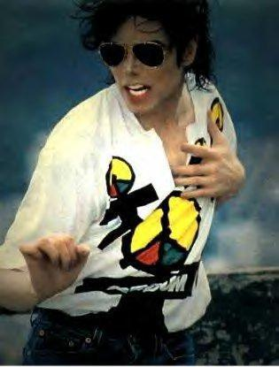 Momificado´s song - 1ª FASE - Página 12 They-don-t-care-about-us-michael-jackson-7126725-315-415