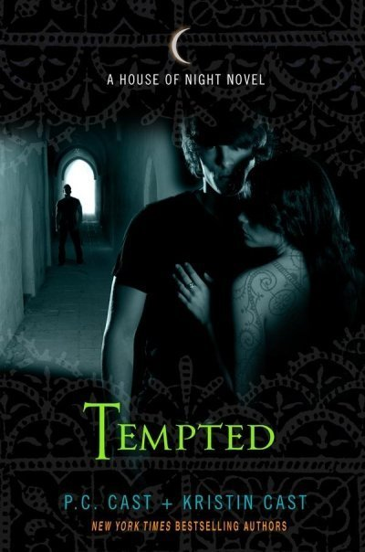 Série House Of Night TEMPTED-COVER-house-of-night-novels-7342310-400-604