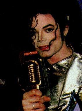 "Immagini era ""HISTORY"" HIStory-World-Tour-Backstage-michael-jackson-7613896-283-381"