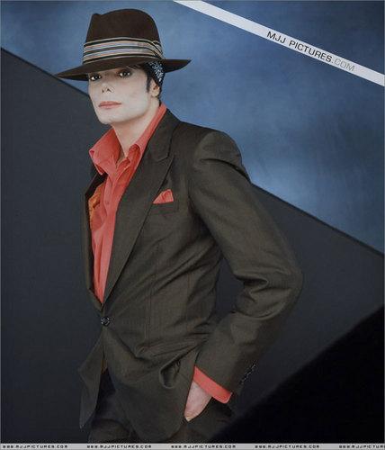 Cerco Immagini - Pagina 3 You-Rock-My-World-michael-jackson-7960946-428-500