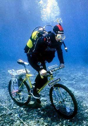 Fotos curiosas de bicis Underwater_Bike