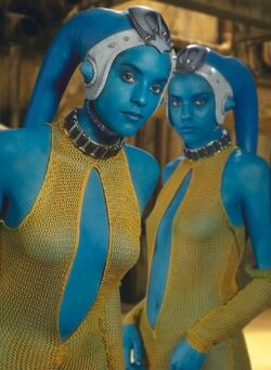 Star Wars - The Cool Weird Freaky Creepy Side of The Force - Page 6 250px-Twilek_twins