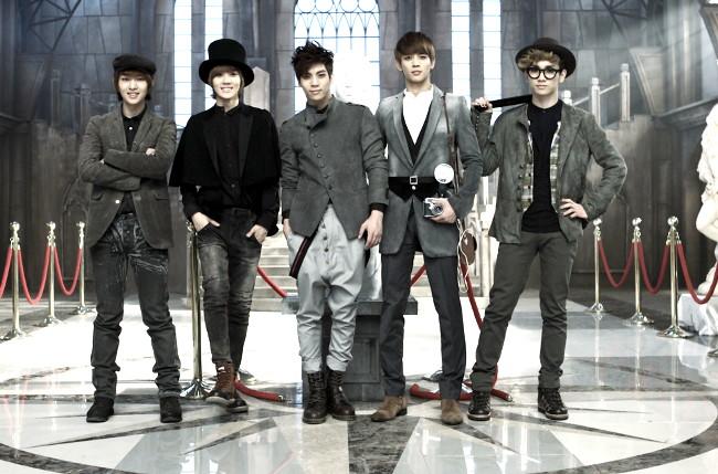 "SHINee >> Album Japonés ""Five"" SHINee-Sherlock-shinee-2012-30737109-1440-960"