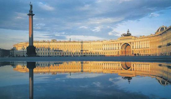 Rusija - Page 2 St_Petersburg_winter_palace