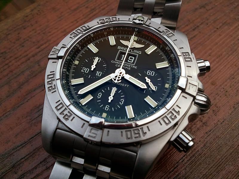 Breitling Watch Company Breitling_Blackbird_jaw_01-vi
