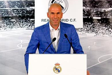 Le Topic du Foot! et des Sports  - Page 6 Zinedine-zidane-72