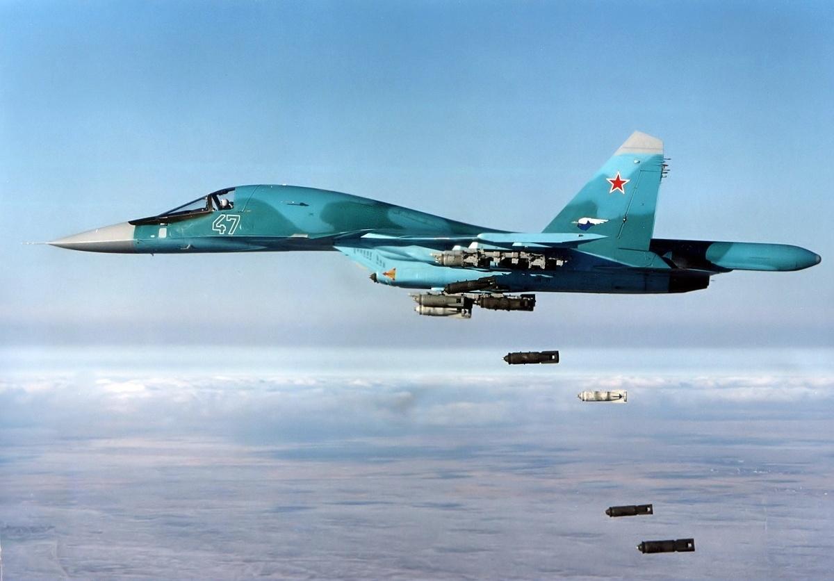 Sukhoi Su-34 ( Avión de ataque y cazabombardero biplaza, pesado y de largo bimotor  Rusia ) Su-34a