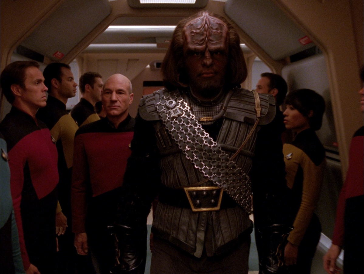 Les customs de Yaddle Worf_Klingon_uniform