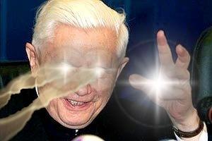 El ultimo que postea gana!!! - Página 21 Ratzinger_amenazando
