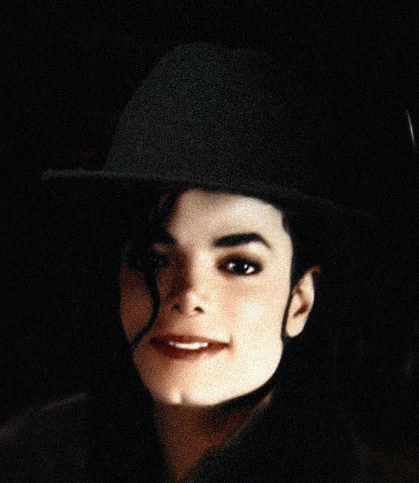 Raridades: Somente fotos RARAS de Michael Jackson. - Página 4 Beauty-Incarnate-michael-jackson-16170057-837-966