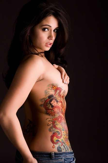 Les filles du bar - Page 6 Girl-Tattoos-tattoos-16789099-445-667