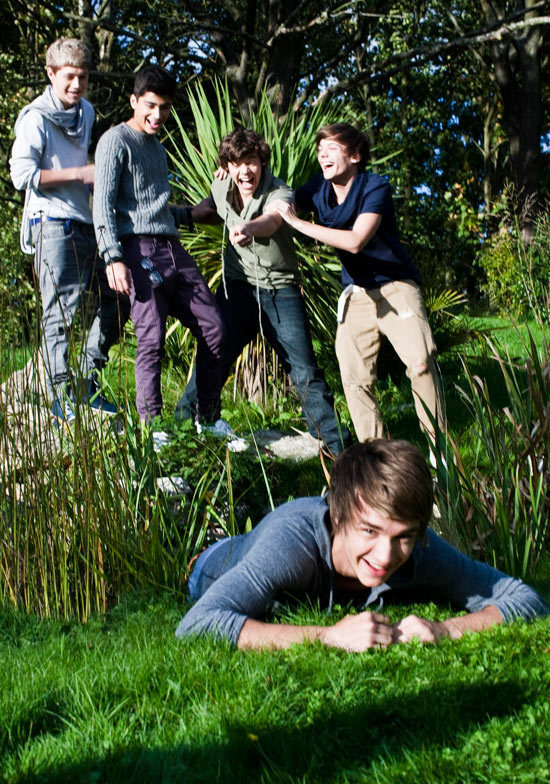 One Direction - Page 2 1-Direction-Photoshoot-Rare-Pic-x-one-direction-16929497-550-784