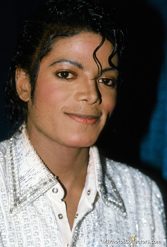 "Immagini era ""THRILLER"" - Pagina 27 Michael-Jackson-The-Jacksons-Victory-Tour-1984-michael-jackson-17890133-540-800"