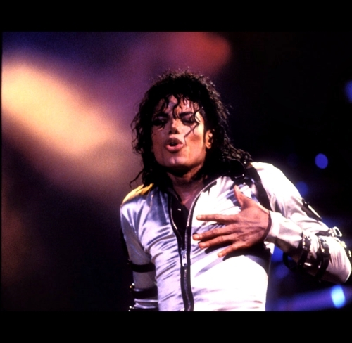"Immagini era ""BAD"" - Pagina 3 MJ-Love-3-lovely-one-michael-jackson-17940399-500-488"