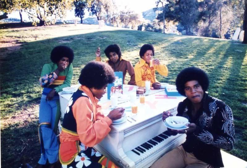 Raridades: Somente fotos RARAS de Michael Jackson. Cute-the-jackson-5-17902985-799-543