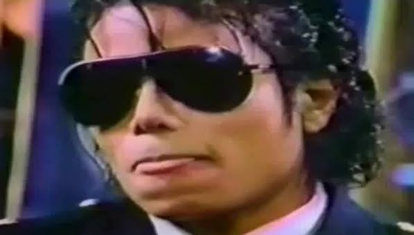 "Immagini era ""THRILLER"" - Pagina 27 Mike-the-perfect-michael-jackson-18021681-597-339"
