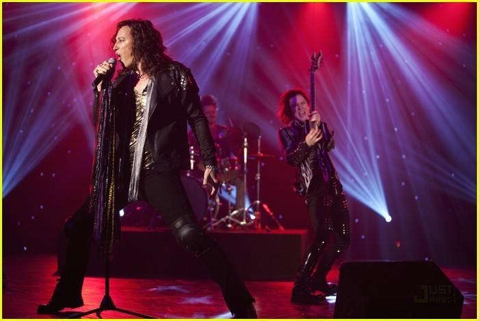 I'm in the band - Page 3 I-m-out-of-the-Band-im-in-the-band-18398699-700-469