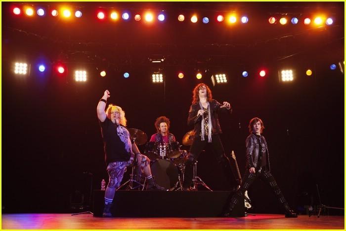 I'm in the band - Page 3 I-m-out-of-the-Band-im-in-the-band-18398707-700-469