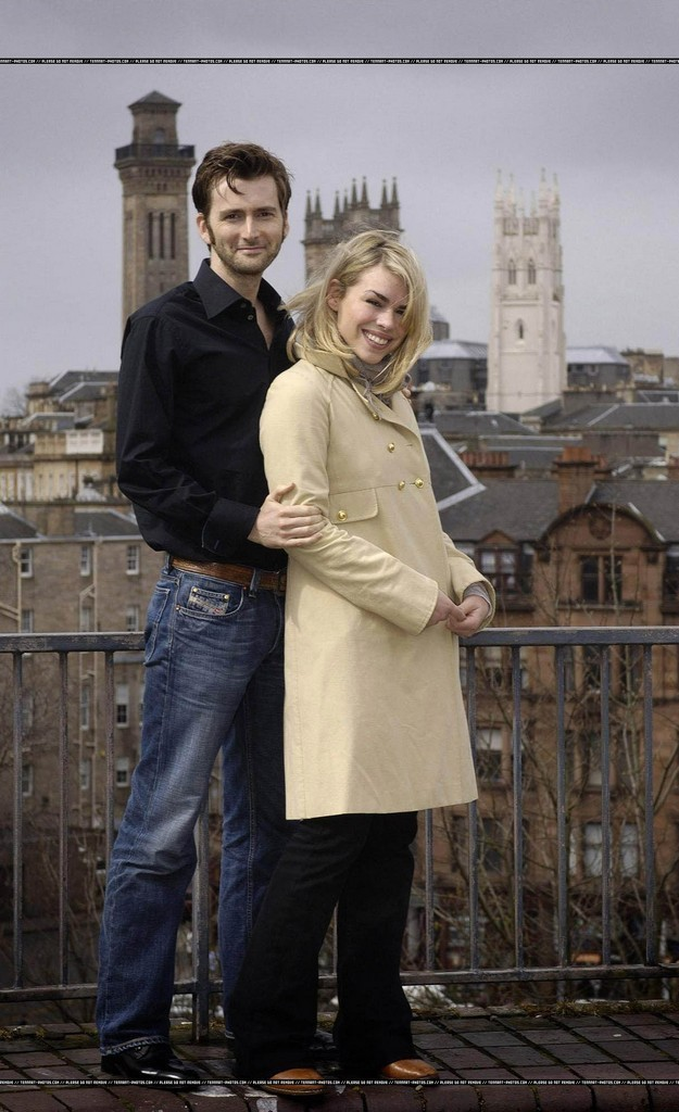 Josh & Ally - Page 2 David-Tennant-and-Billie-Piper-scarletwitch-19075715-625-1024